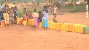 Des Habitants de Sevagan(Togo)à l'affût de l'eau